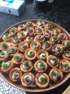 canape roast beef yorkshire pud 3